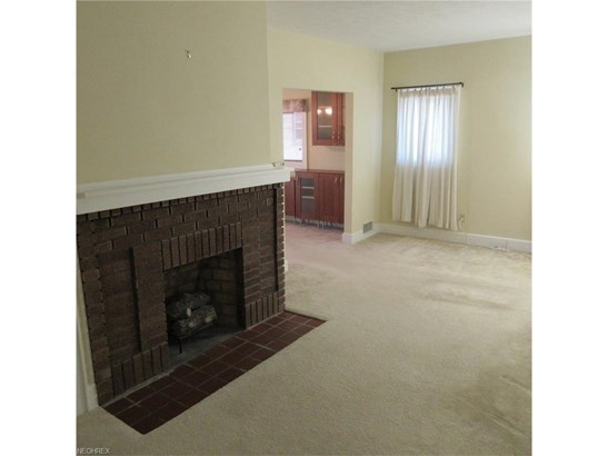 4455 Broadale Rd, Cleveland, OH - USA (photo 2)