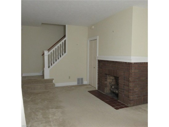4455 Broadale Rd, Cleveland, OH - USA (photo 3)