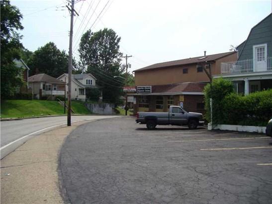 2501 Oneil Blvd, White Oak, PA - USA (photo 3)