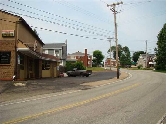 2501 Oneil Blvd, White Oak, PA - USA (photo 4)