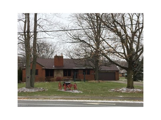 5654 Columbia Rd, North Olmsted, OH - USA (photo 1)