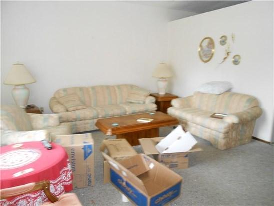 6636 Newbury, Parma Heights, OH - USA (photo 3)