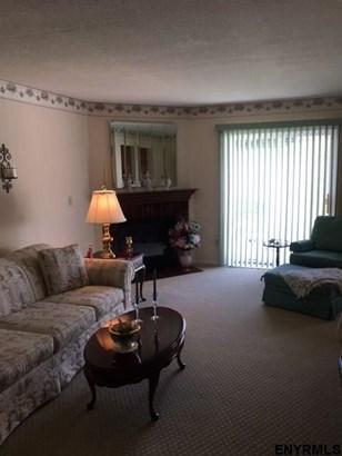 116 Bridgewood La, Latham, NY - USA (photo 5)