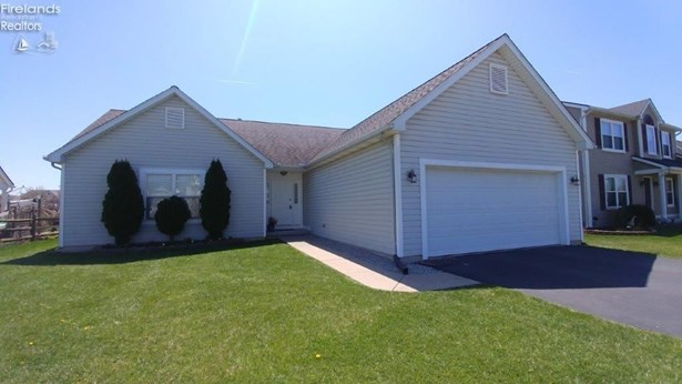 1039 Ironwood, Rossford, OH - USA (photo 1)