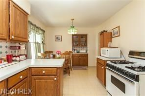 6639 Commonwealth Dr, Parma Heights, OH - USA (photo 4)