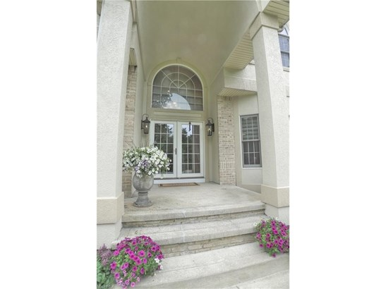 10680 Mount Royal Dr, Concord, OH - USA (photo 2)