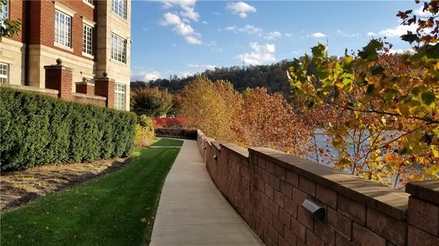 100 Vista Circle 511, O'hara Township, PA - USA (photo 2)