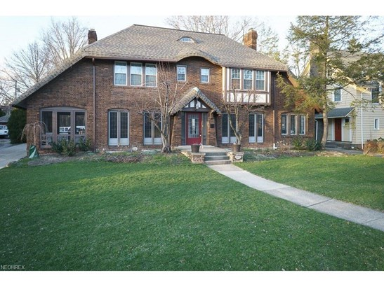 2473 Edgehill Rd, Cleveland Heights, OH - USA (photo 1)