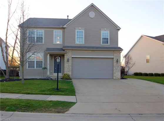 27350 Wheaton Pl, Olmsted Falls, OH - USA (photo 1)