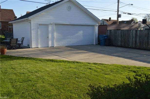 5903 Wilber Ave, Parma, OH - USA (photo 4)