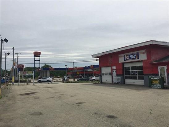 903 Finley Rd, Belle Vernon, PA - USA (photo 2)