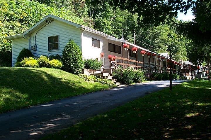 583 Sickle Ridge Road, Confluence, PA - USA (photo 1)