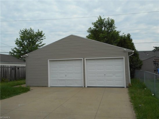 13205 Oakview Blvd, Garfield Heights, OH - USA (photo 2)