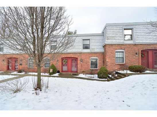 1080 N. Pennsbury Blvd., Crafton, PA - USA (photo 1)