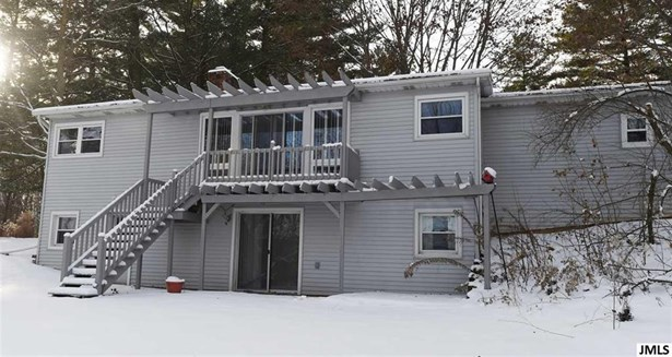 345 Wood Hills Dr, Concord, MI - USA (photo 3)