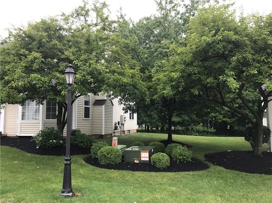 610 Pebblebrook Dr 60, Willoughby Hills, OH - USA (photo 2)