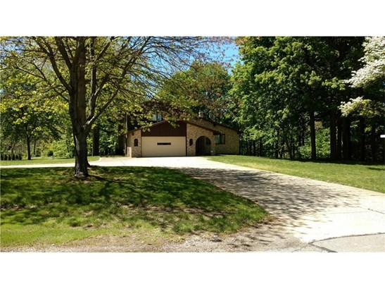 2448 River Rd, Willoughby Hills, OH - USA (photo 2)