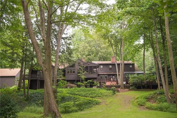 1490 Taylor Ridge Court, Fairview, PA - USA (photo 1)
