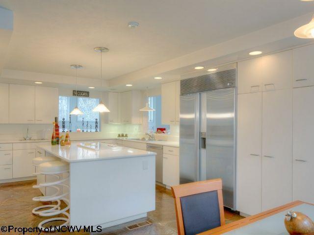 2096 Lakeside Estate Drive, Morgantown, WV - USA (photo 5)