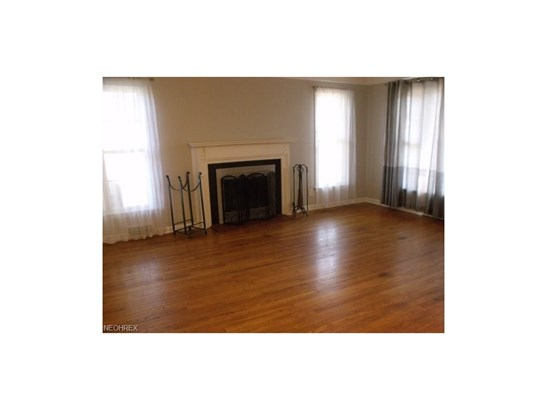 22190 Westwood Rd, Fairview Park, OH - USA (photo 2)