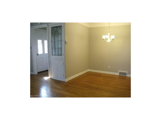 22190 Westwood Rd, Fairview Park, OH - USA (photo 4)