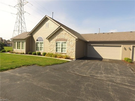 311 Quarry Lakes Dr, Amherst, OH - USA (photo 1)