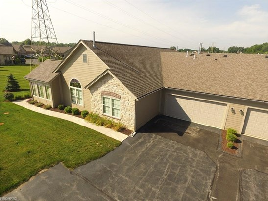 311 Quarry Lakes Dr, Amherst, OH - USA (photo 2)