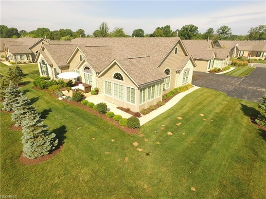 311 Quarry Lakes Dr, Amherst, OH - USA (photo 5)
