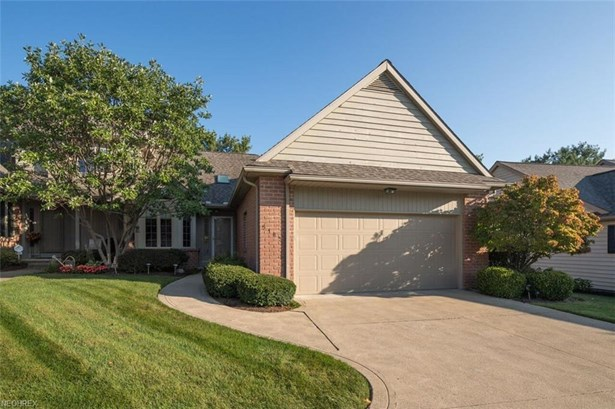 5185 Sea Pines Nw Cir, Canton, OH - USA (photo 1)