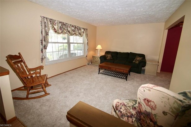 8950 Trailwood Ct, Mentor, OH - USA (photo 3)