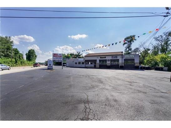 1202 Memorial Blvd, Connellsville, PA - USA (photo 3)