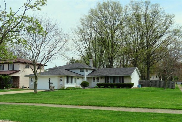 4121 Laurell Ln, North Olmsted, OH - USA (photo 1)