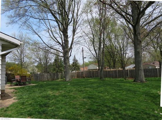 4121 Laurell Ln, North Olmsted, OH - USA (photo 2)