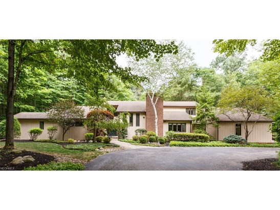 2 Windy Hill Dr, Willoughby Hills, OH - USA (photo 1)