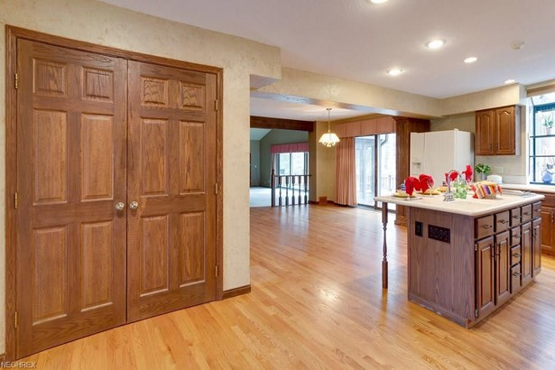 8279 Whitney Ln, Concord, OH - USA (photo 4)