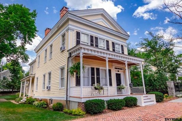 581 North Broadway, Saratoga Springs, NY - USA (photo 1)