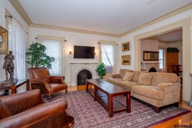 581 North Broadway, Saratoga Springs, NY - USA (photo 4)