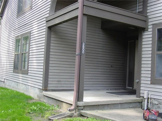 3800 Northwoods Ne Ct 2, Warren, OH - USA (photo 1)