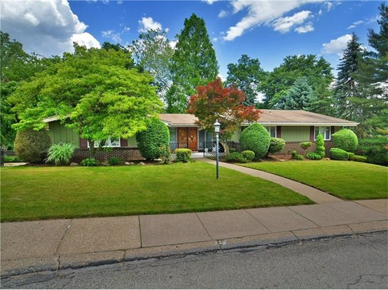 225 Penhurst Drive, Penn Hills, PA - USA (photo 1)