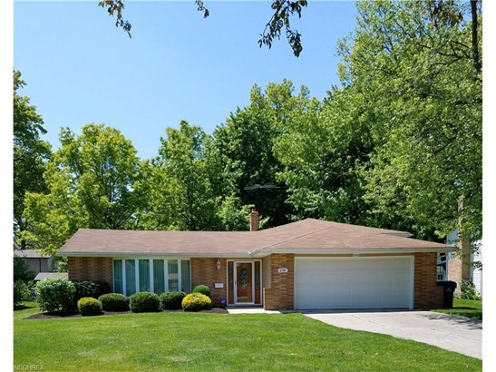 6340 Somerset Dr, North Olmsted, OH - USA (photo 1)