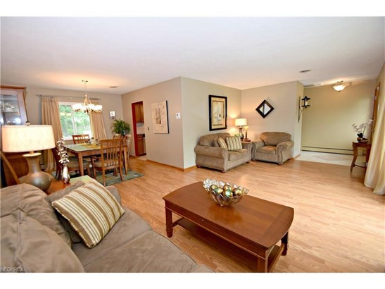 6340 Somerset Dr, North Olmsted, OH - USA (photo 3)