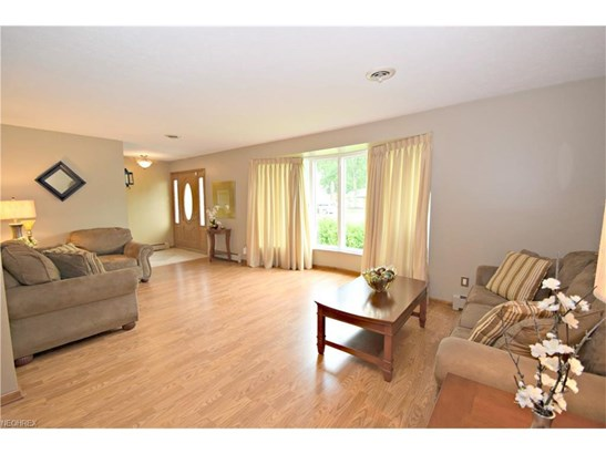 6340 Somerset Dr, North Olmsted, OH - USA (photo 4)