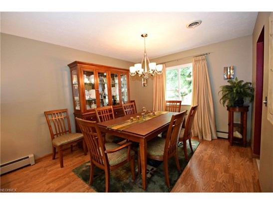 6340 Somerset Dr, North Olmsted, OH - USA (photo 5)