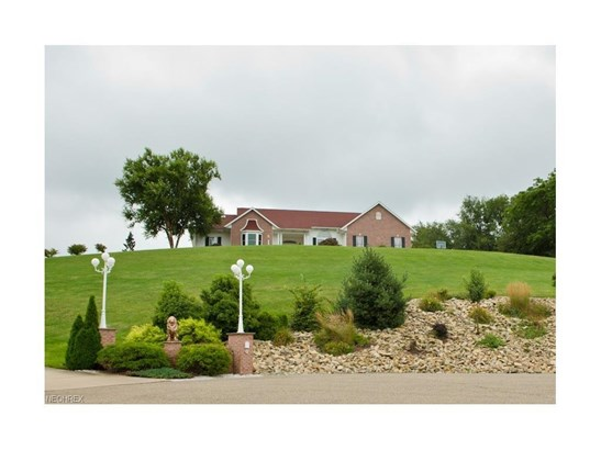 224 Longview Ne Ct, Dover, OH - USA (photo 1)