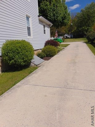 3880 Cortland Dr, New Paris, PA - USA (photo 5)