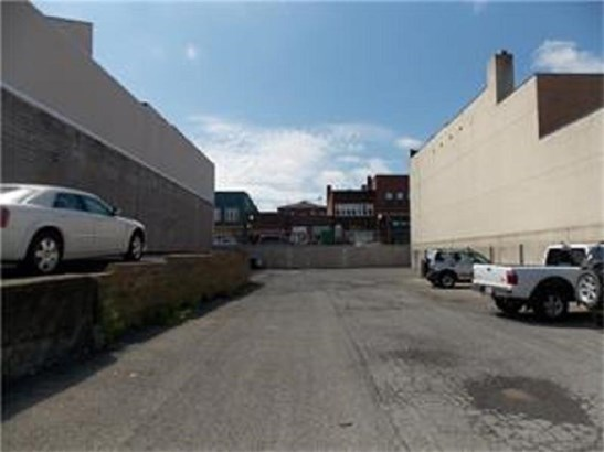 430 Lawrence Avenue, Ellport, PA - USA (photo 1)
