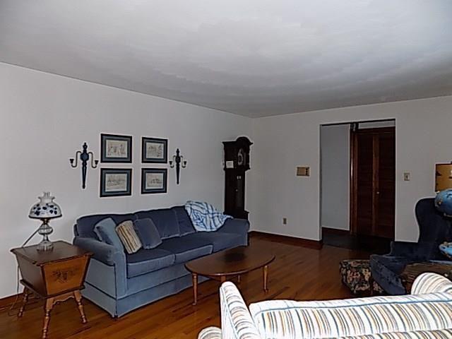 330 Beale Avenue, Leechburg, PA - USA (photo 5)
