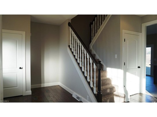 10375 Carrousel Woods Dr, New Middletown, OH - USA (photo 2)