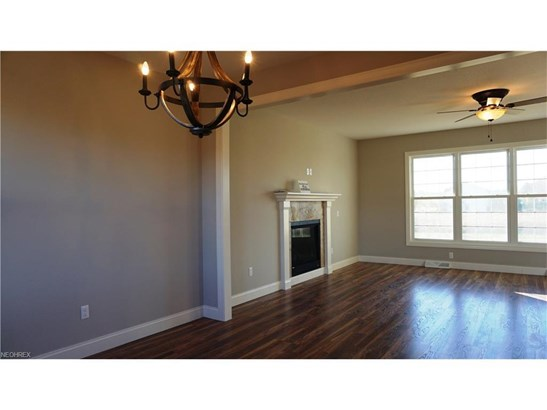 10375 Carrousel Woods Dr, New Middletown, OH - USA (photo 4)