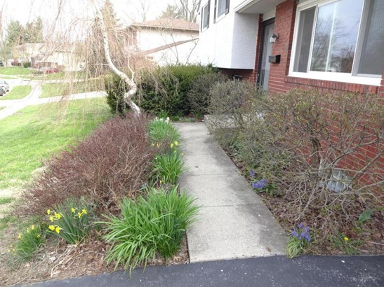 1528 Valley Drive, Reynoldsburg, OH - USA (photo 2)